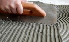 Как правильно положить плитку на пол своими руками?
