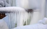 Что делать, если в пластиковой трубе замерзла вода?