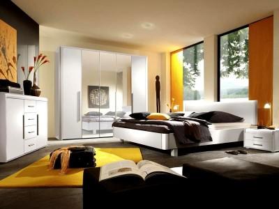 спальня в желто-черном цвете