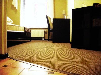 ковролин в спальне