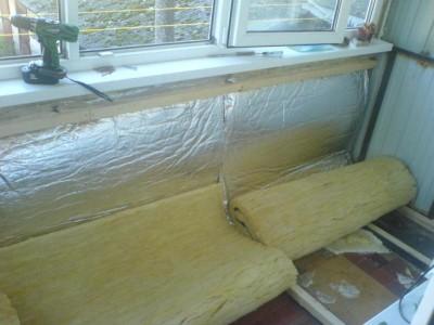 балкон в процессе утепления