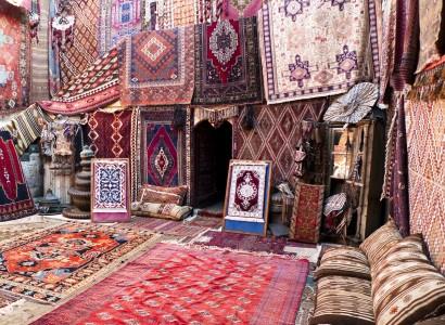 ковры разных видов и расцветок