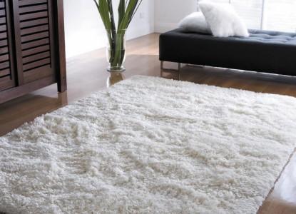 белый ковёр с высоким ворсом