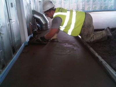 цементная стяжка вручную
