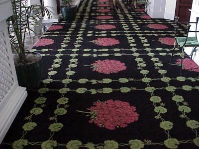 ковролин с узором на полу