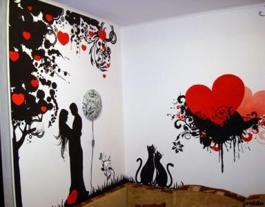 белые стены с рисунком