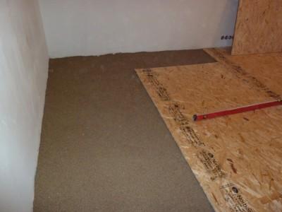 Выравниваем деревянный пол