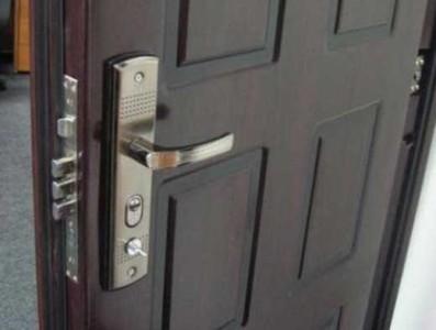 1415907937_vhodnye-dveri3